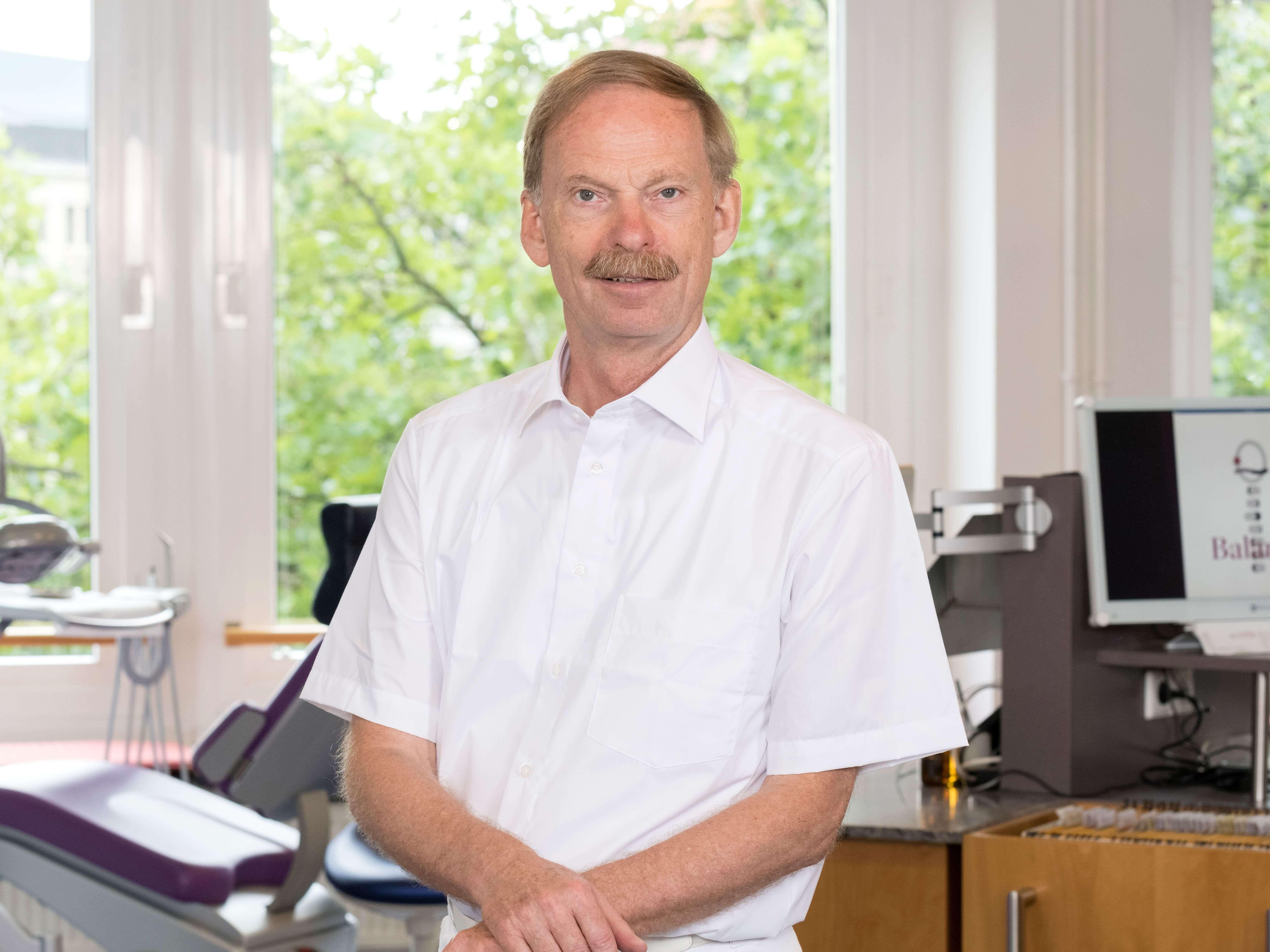 dr w entrup balance dres w j entrup dr t altvater kieferorthop die in hannover. Black Bedroom Furniture Sets. Home Design Ideas